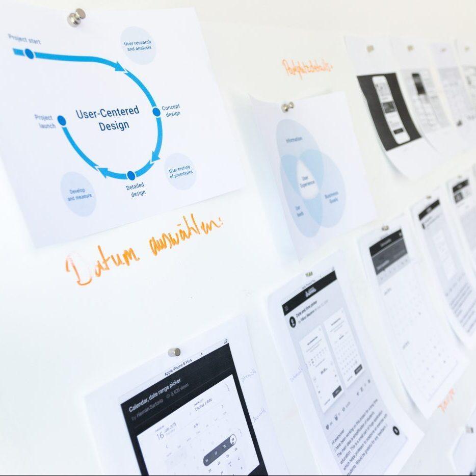 pared con hojas de datos