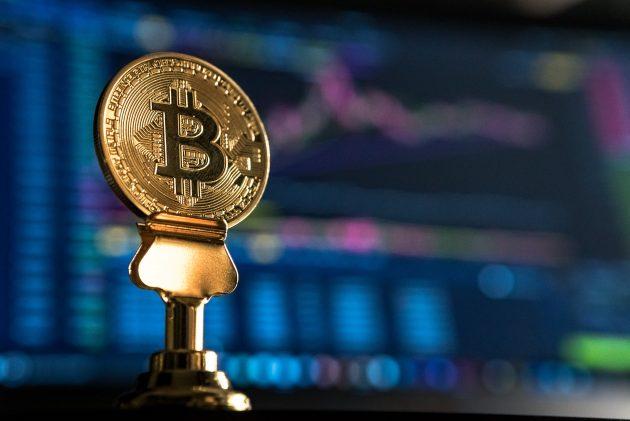 bitcoin, criptomoneda que emplea tecnología blockchain