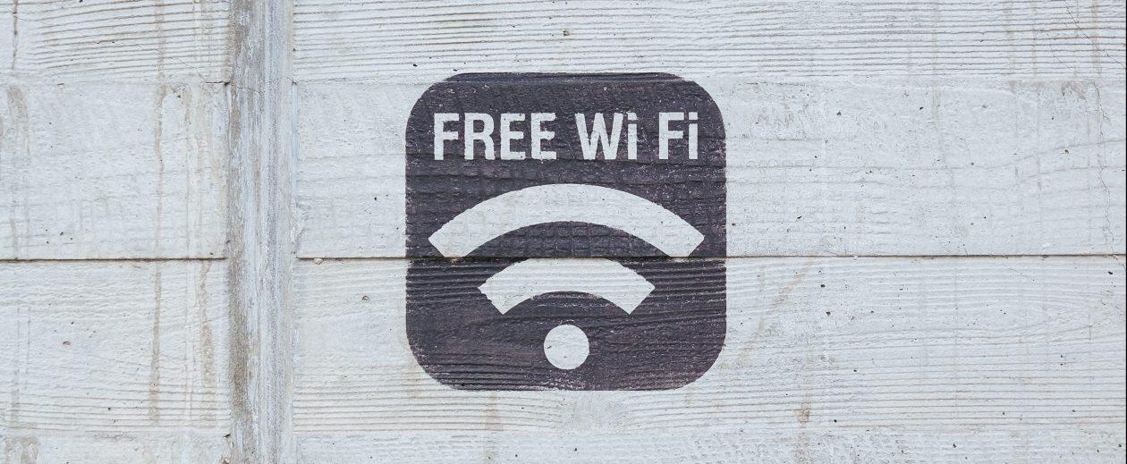 Cartel de punto de acceso wifi gratis