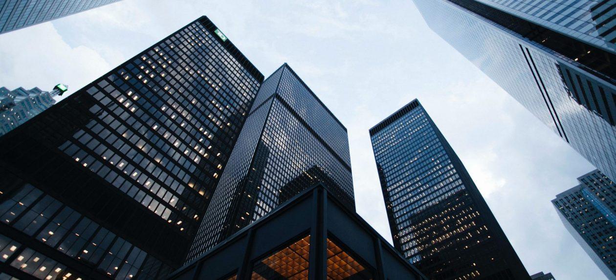 """Imagen de portada de la entrada de Teknei """"Transformación digital en el sector financiero"""""""